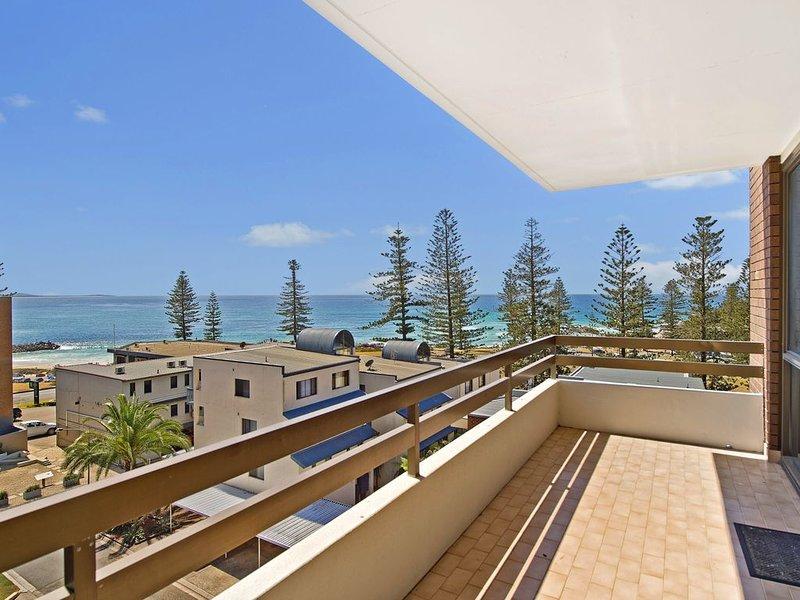 Akuna 18, 6 Joffre Street,, holiday rental in Port Macquarie