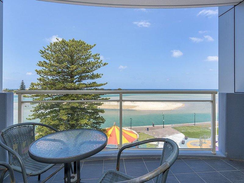 Resort Style Living with Ocean Views, alquiler vacacional en The Entrance