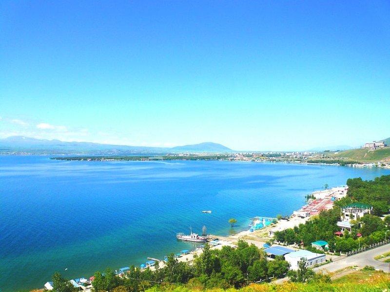 Golden Rest at Sevan Peninsula, location de vacances à Tsakhkadzor