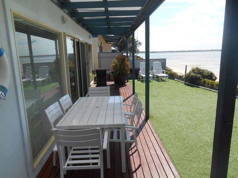 St Helens Beachfront - Absolute Beachfront, location de vacances à Edithburgh