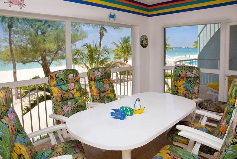 Beautiful beachfront rental | Beachfront Condo #7, casa vacanza a West Bay