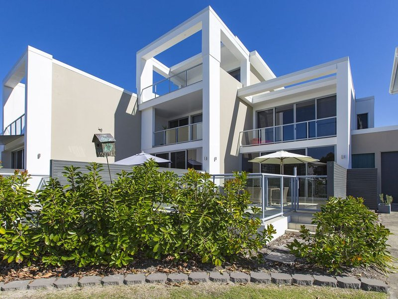 WAVES ON KAMALA 13 - Casuarina, NSW, holiday rental in Cabarita Beach