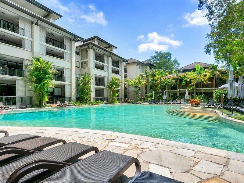 Sea Temple Palm Cove Apt 207 offers luxury beach accommodation in Palm Cove, alquiler de vacaciones en Palm Cove