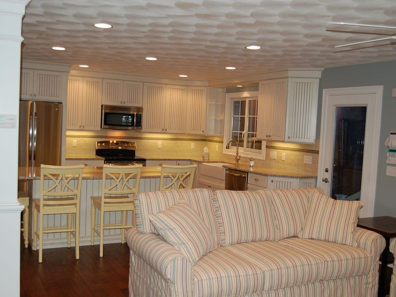 Close to beaches and downtown Newport, holiday rental in Middletown