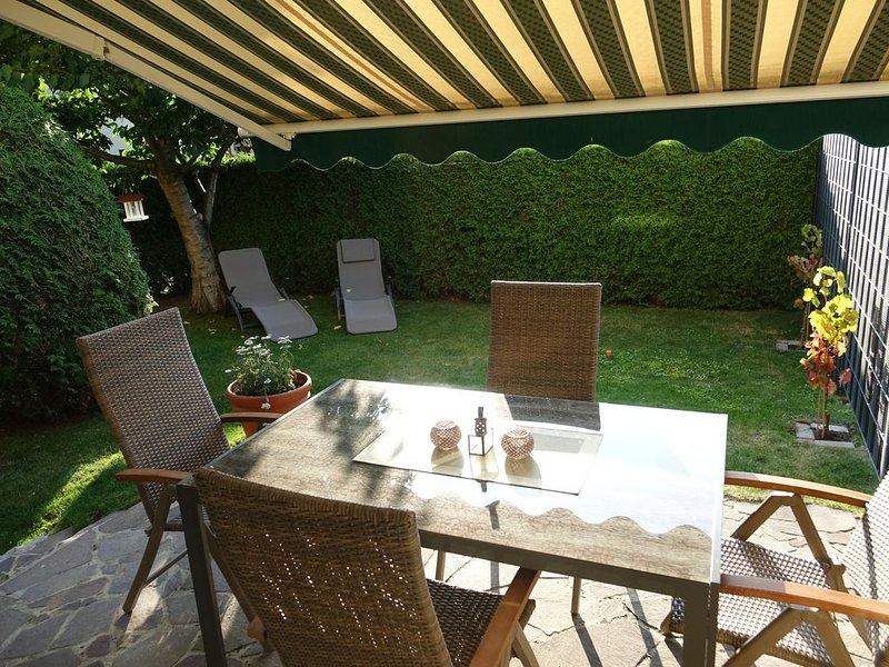 Traumhafte Ferienwohnung in Potsdam, komfortabel & modern, ruhige Lage, aluguéis de temporada em Brandenburg