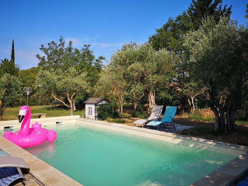 Gîte Côté Provence : Climatisation+Piscine, casa vacanza a Pernes-les-Fontaines