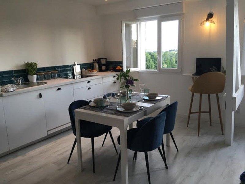 Appartement de charme avec magnifique vue mer, casa vacanza a La Foret-Fouesnant