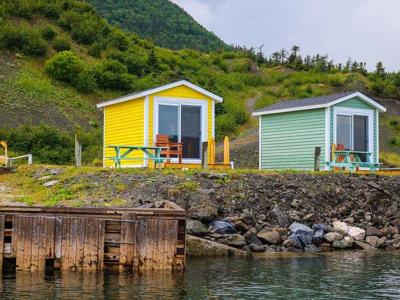 Cute & quaint oceanfront camping pods In Gros Morne National Park, alquiler de vacaciones en Gros Morne National Park