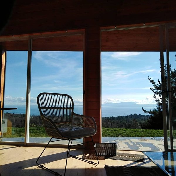 Lovely Cabin with panoramic view of the lake, alquiler vacacional en Pucón