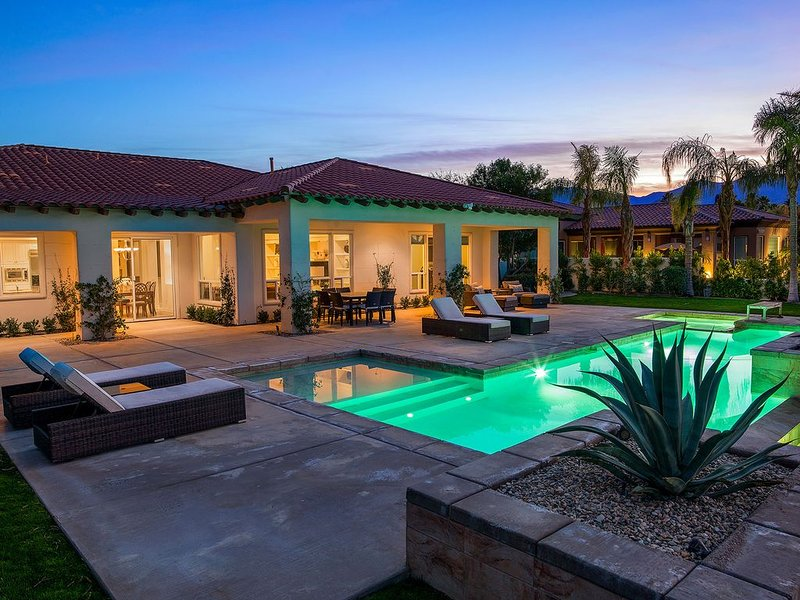 'Rancho Retreat' Golf Course Estate in Rancho Mirage, holiday rental in Rancho Mirage