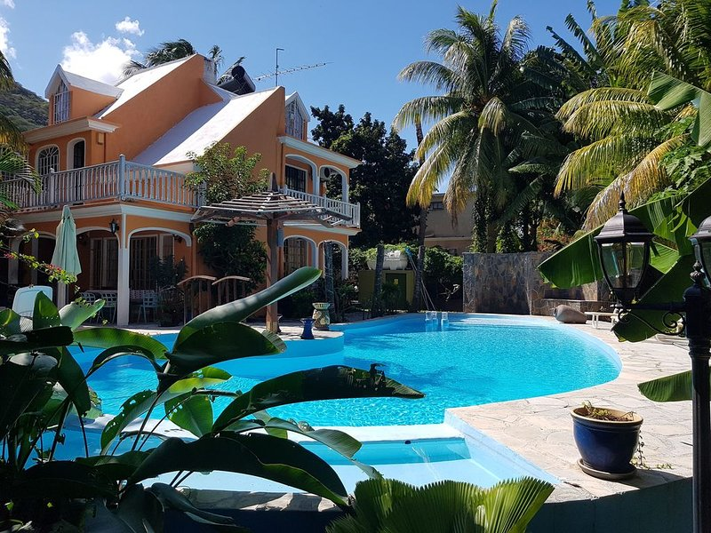 The Tourelle Paradise (Ministry of Tourism Price for 8 persons, holiday rental in Riviere Noire