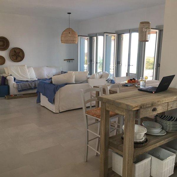 Villa intera sullo splendido mare di TURKOMNIMA, casa vacanza a Agia Marina