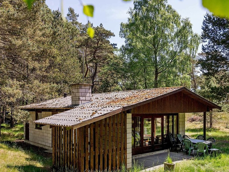 Cozy Holiday Home in Nexo Close to Dueodde Beach, vacation rental in Bornholm
