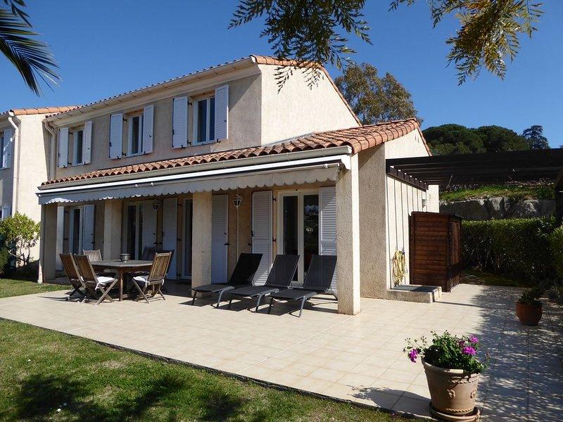 Biot/Antibes - Villa Soleil - family home - AC and internet, Ferienwohnung in Villeneuve-Loubet