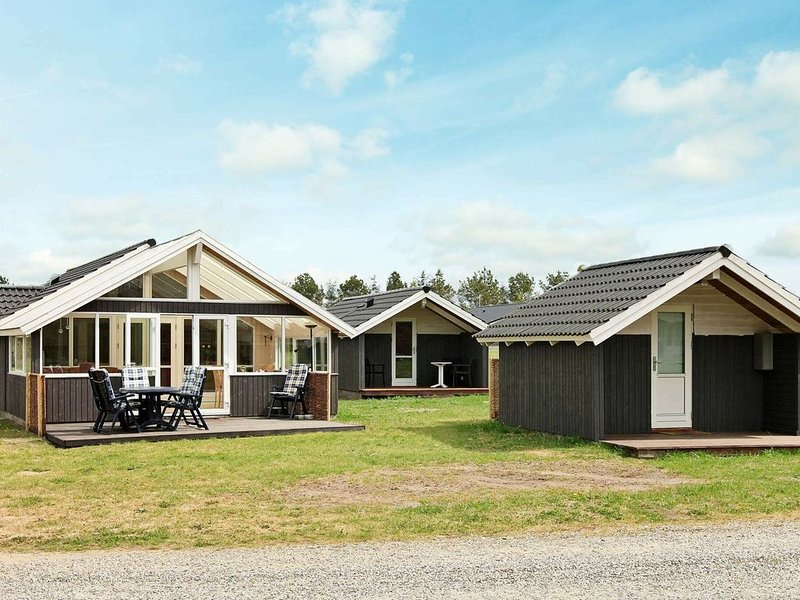 Delightful Holiday Home in Hovborg Jutland with Whirlpool, location de vacances à Bredsten
