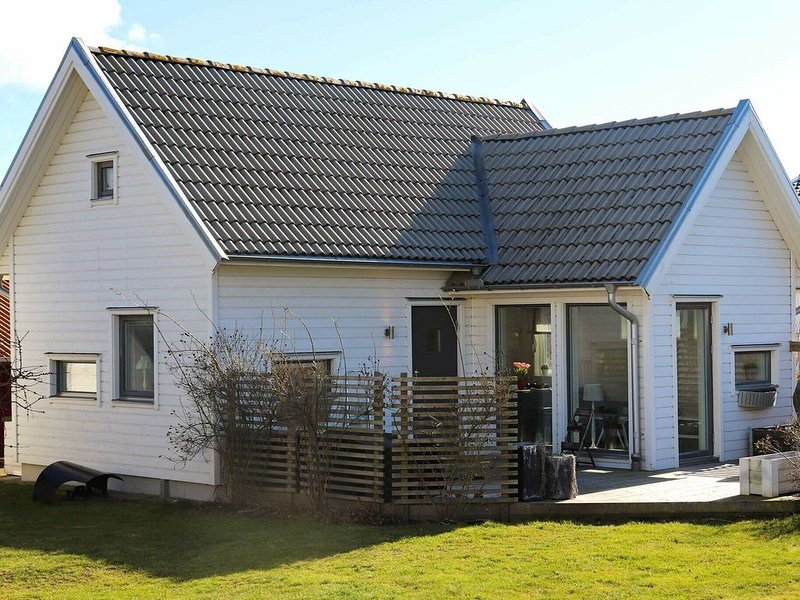 4 star holiday home in FALKENBERG, vacation rental in Halland County