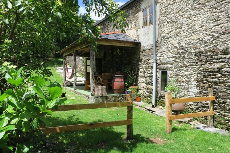 Granja Labrada - Alojamiento entre caballos, location de vacances à Manon
