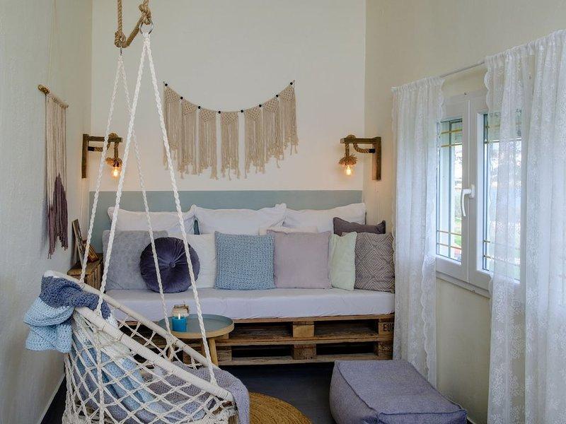 Syros-house moderne vakantiewoning met zeezicht, location de vacances à Azolimnos