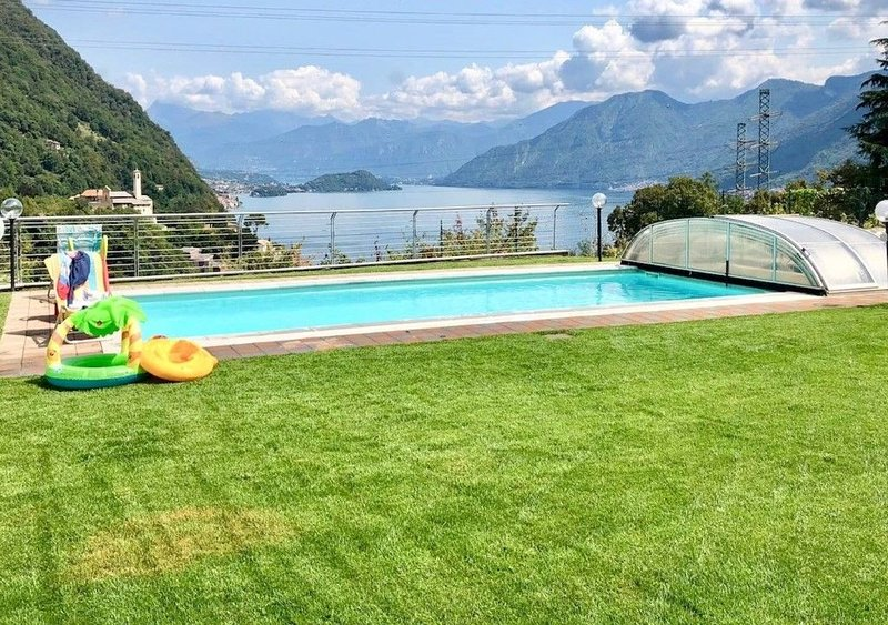 Residence Borgo Castello - top lake apartments, vacation rental in Dizzasco