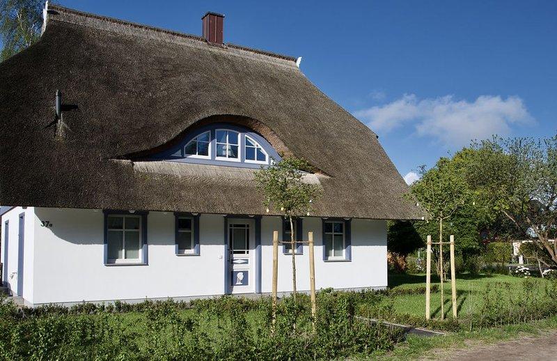 exklusives Ferienhaus mit großem Sauna- und Wellnessbereich, casa vacanza a Hessenburg