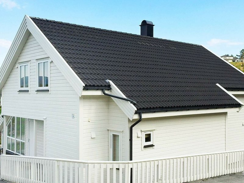 4 star holiday home in Auklandshamn, holiday rental in Haugesund