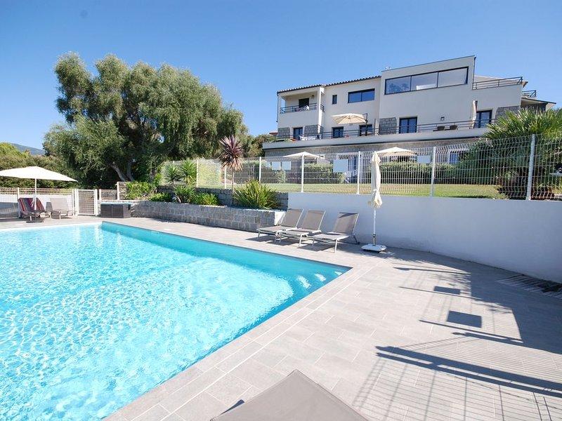 Maison résidentielle de 6 appartements de standing T3, location de vacances à Pietrosella