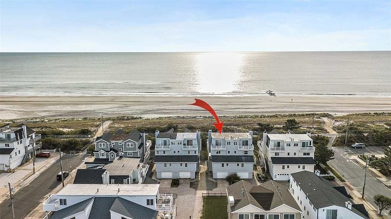 Beach front home in Sea Isle City taking reservations for 2021!, holiday rental in Sea Isle City