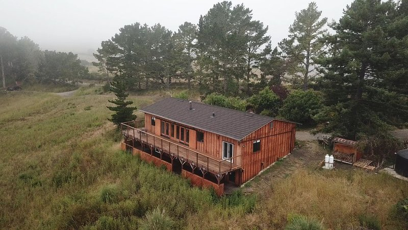 The Canyon View House at Lobitos Creek Ranch near the beaches and redwoods, aluguéis de temporada em Half Moon Bay