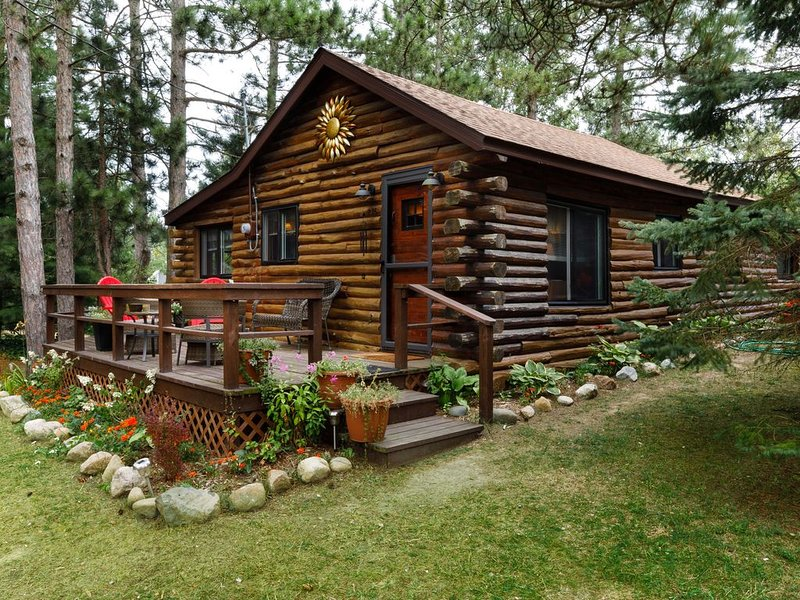 Port Sanilac Log Cabin--Incredibly Cute!, aluguéis de temporada em Forestville