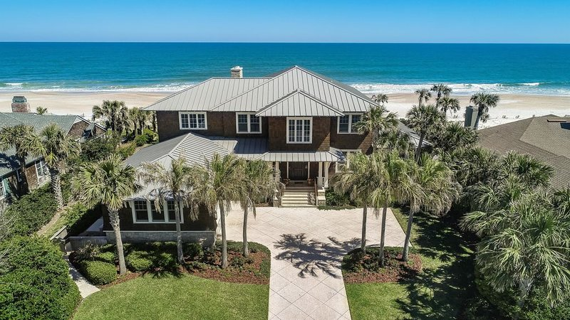 The most beautiful ocean front beach house you've ever seen with Club and Spa., holiday rental in Ponte Vedra Beach