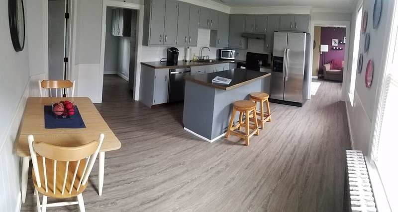 Spacious Apartment in Beautiful Southern New Hampshire, location de vacances à Weare