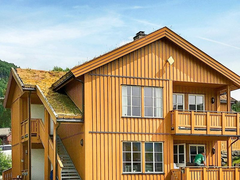 8 person holiday home in Skulestadmo, holiday rental in Ulvik Municipality