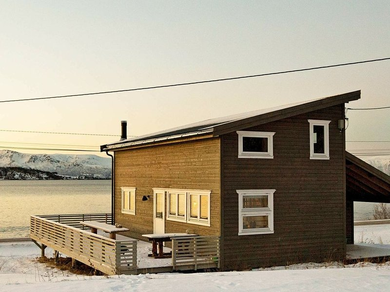 6 person holiday home in Nord-Lenangen, alquiler de vacaciones en Troms