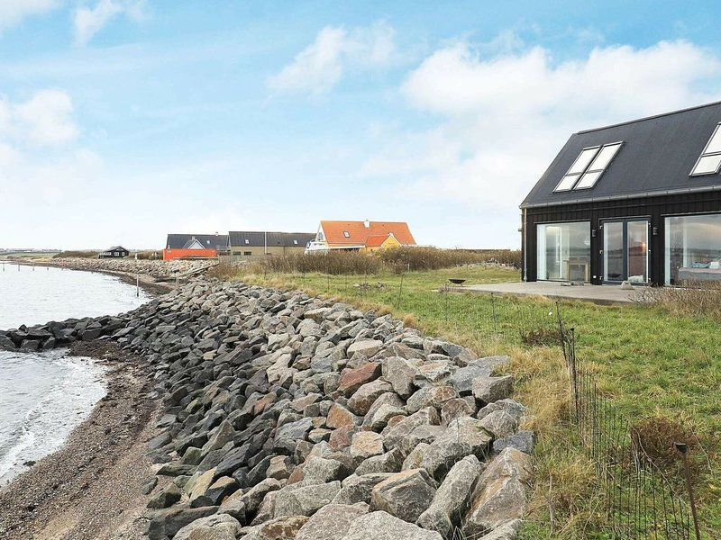 Picturesque Holiday Home in Struer Near Sea, Ferienwohnung in Vile