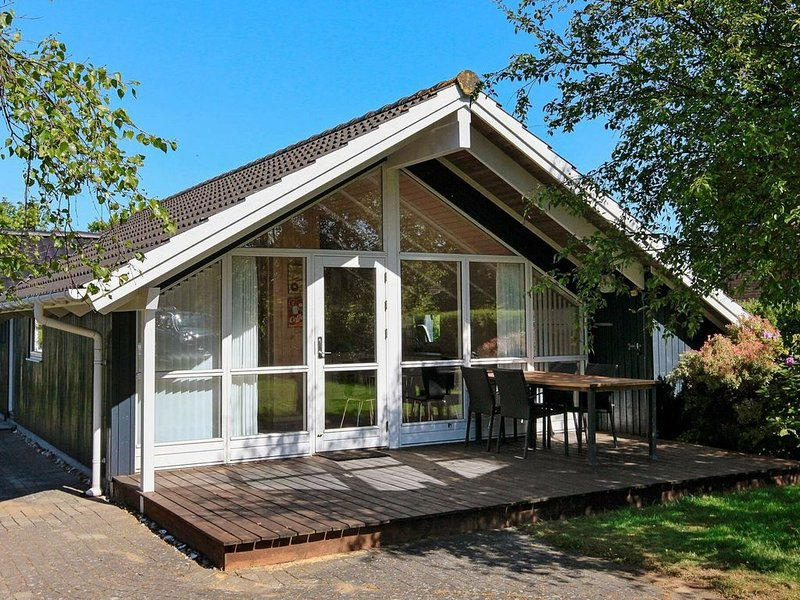 Scenic Holiday Home in Esbjerg Amidst Nature, holiday rental in Sjaelborg