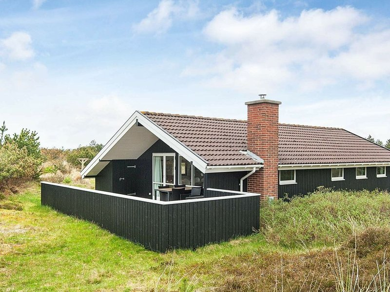 Quaint Holiday Home in Blåvand near Sea, location de vacances à Varde