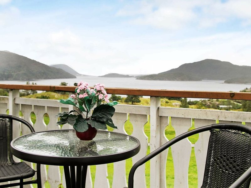 4 star holiday home in Masfjordnes, holiday rental in Eikangervag