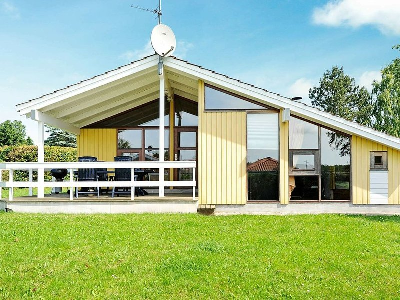 Quaint Holiday Home in Juelsminde with Whirlpool, casa vacanza a Horsens