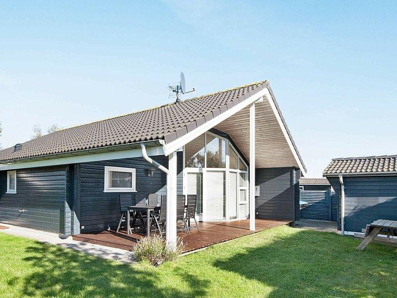Spacious Holiday Home in Juelsminde Jutland with Garden, casa vacanza a Horsens