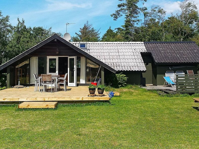 Enticing Holiday Home in Fjerritslev with Terrace, Ferienwohnung in Fjerritslev