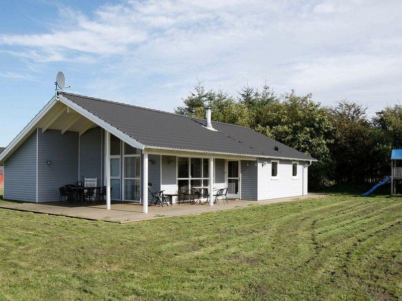 Cozy Holiday Home in Hadsund Denmark with Sauna, vacation rental in Rebild Municipality