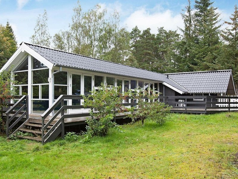 Tranquil Holiday Home in Ebeltoft With Swimming Pool, vacation rental in Balle