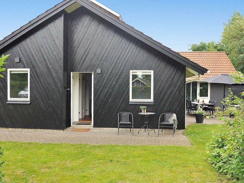 Luxurious Holiday Home in Ørsted Jutland With Swimming Pool, location de vacances à Varde
