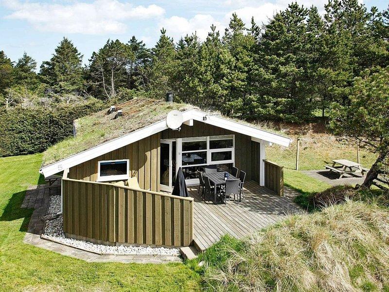 Modern Holiday Home in Blokhus Near Beach, Ferienwohnung in Saltum