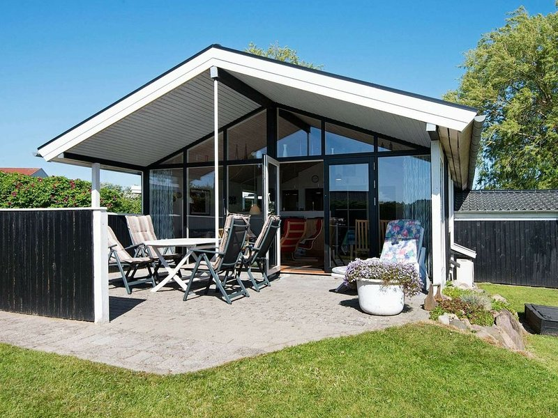 Cozy Holiday Home in Broager with Terrace, vacation rental in Egernsund