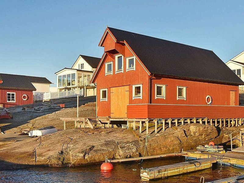 5 person holiday home in bud, holiday rental in Molde
