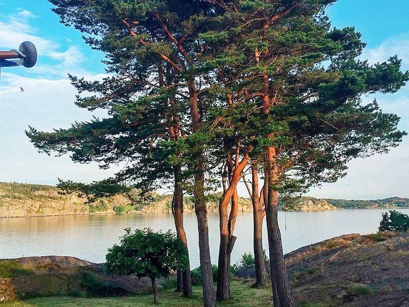 4 star holiday home in LYSEKIL – semesterbostad i Halleviksstrand