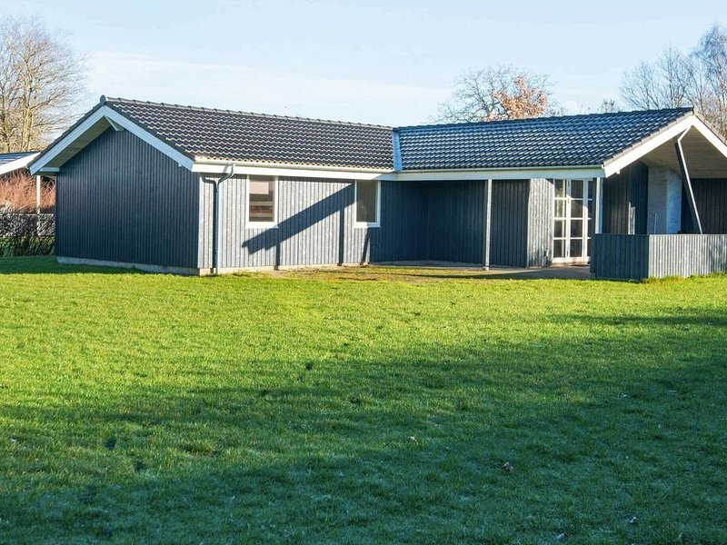 Family Friendly Holiday Home in Børkop with Sauna, vacation rental in Skive