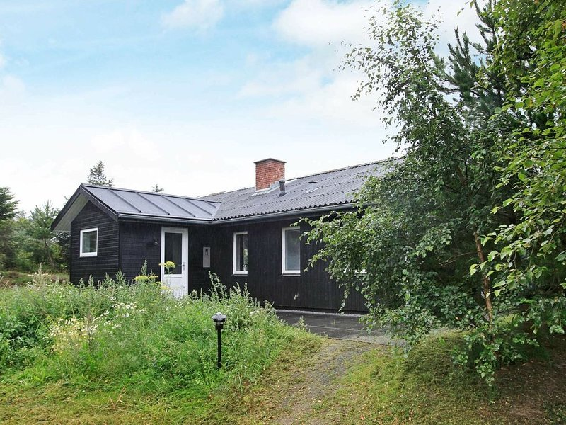 Wonderful Holiday Home in Blåvand with Pool – semesterbostad i Blaavand