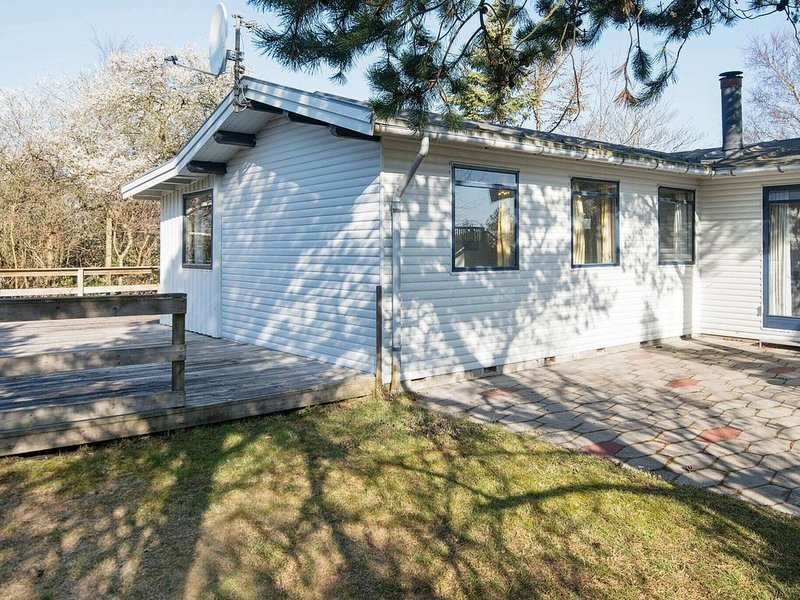 Vintage Holiday Home in Jutland With Indoor Whirlpool, location de vacances à Bredsten